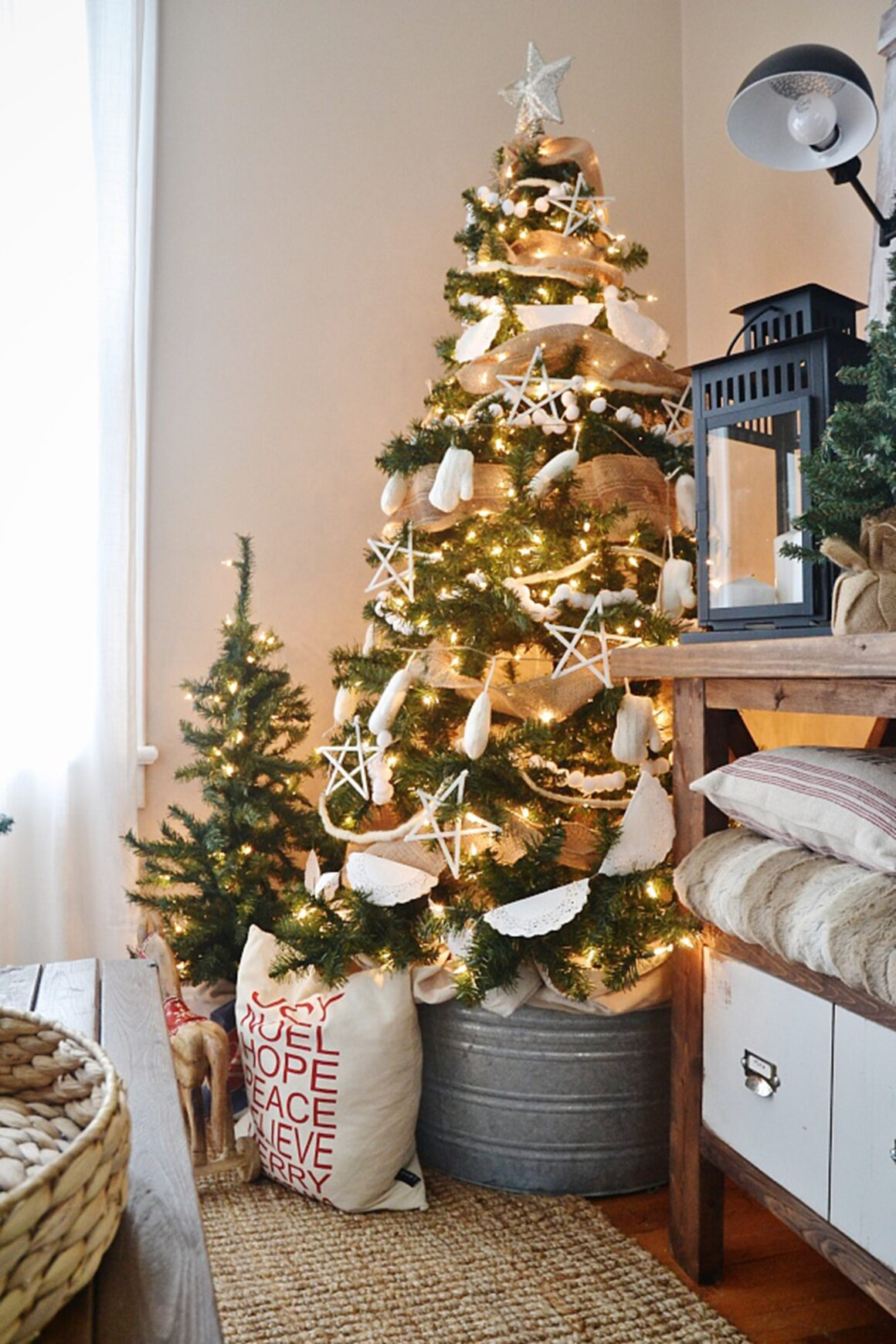 Cheap and Easy Christmas Decoration Ideas